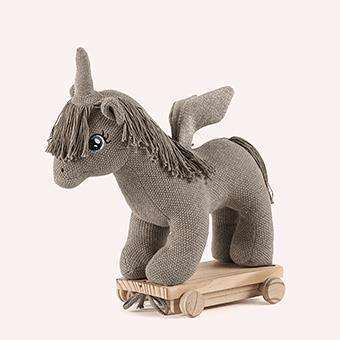 Unicorn on Wheels 車輪の上のユニコーン